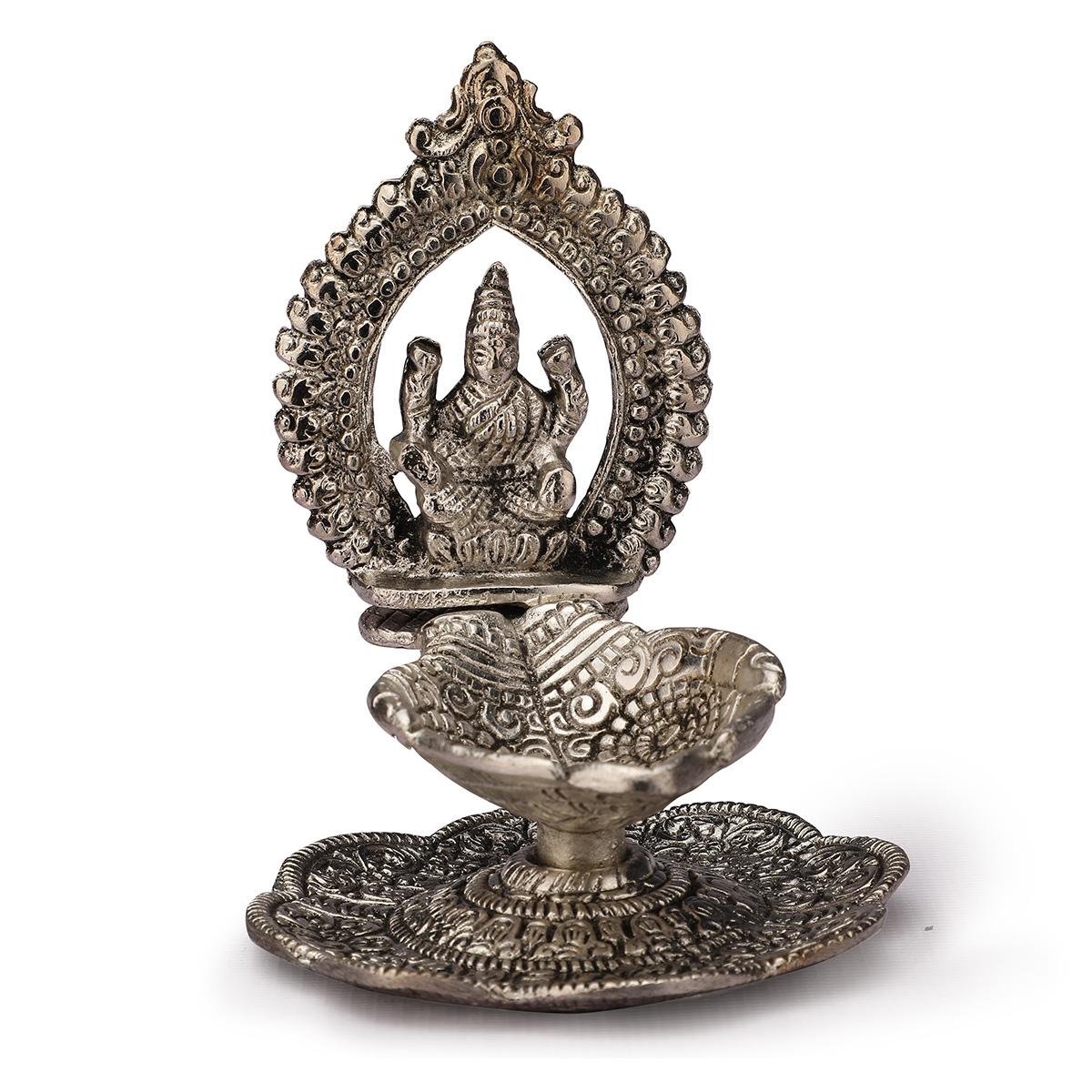 Lashmi Hand Deepak silver