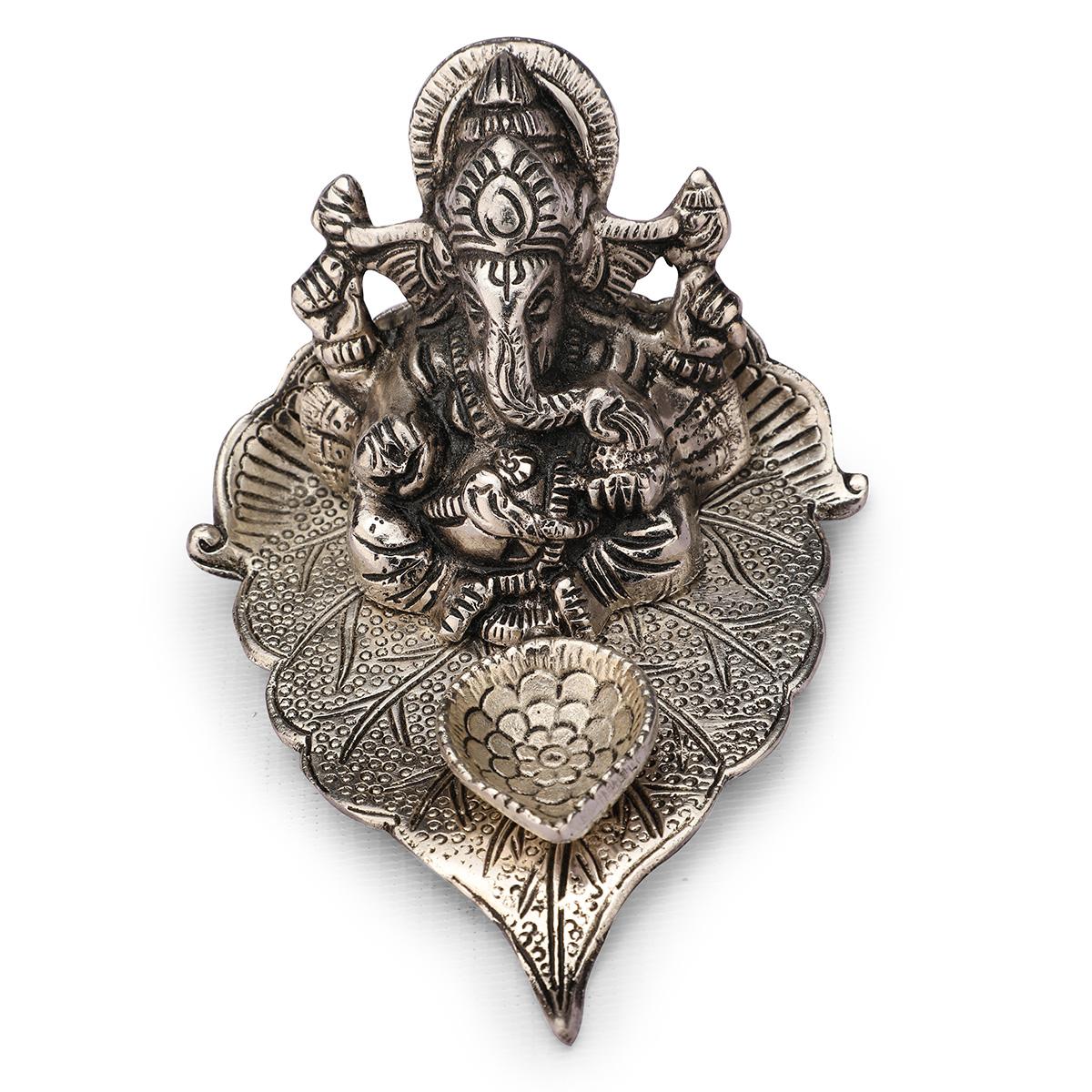 Leaf Ganesha Deepak Silver